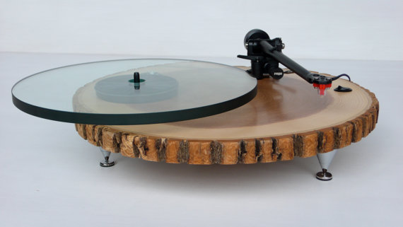 have you ever seen such a handsome turntable? I have not.   here's the link if any of you suga daddies wanna buy this for me.