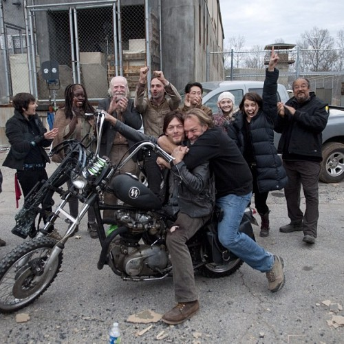 bigbaldhead:  wrap of season three  This makes me so happy.