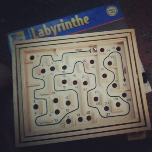 What a hard Game !!! @dendenbudz try mo toh .. Ang hirap !!! #Labyrinthe