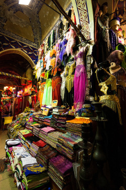 bm-photo-ch:  Istanbul Main Bazar on Flickr.Via Flickr: Typical shop at the main bazar of Istanbul. Selling touristic artifacts, like waterpipes, and bellydance costumes. visit us at www.bm-photo.ch contact us info@bm-photo.ch © BM-photo | stephanie borcard & nicolas metraux