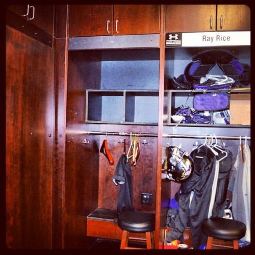 nfl:  Ray Lewis' Ravens locker has been emptied out for the final time. (Photo: @ravens)