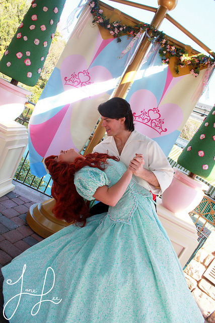 adventuresatdisneyland:  Ariel and Prince Eric on Flickr. Dip!