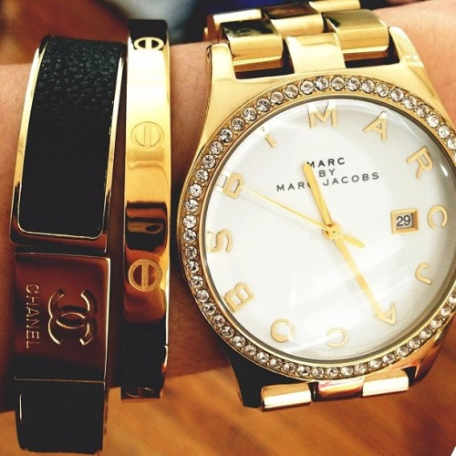 lyla-md:  Arm candy.