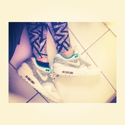 Today #nike #safari #am1 #airmax #girlsinairs #rare #hype #chicksinkicks #igsneakercommunity #crepcheck #sfbk #smallfeetbigkicks