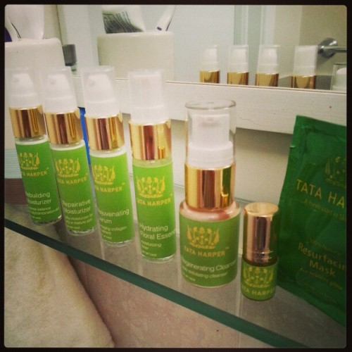 #Beauty Today's a good day to start testing the #organic beauty line by @TataHarper. Stay tune for my #review on my #blog @paperplanesca Got a good feeling about that one! #beauty #skincare