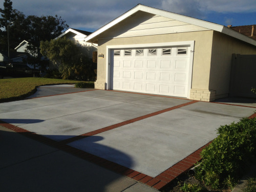 We do driveways and all other types of concrete/masonry projects. Here is a new driveway we completed in Camarillo.