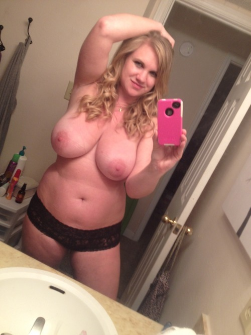mnkgb-blogspot:  littlelovekitten:  She's really pretty…    mnkgb-blogspot  things I like reblogged from other Tumblr users.   I invite all submissions & you can remain anonymous or if you like, I will plug your blog! <3 I'm a bi male! http://mnkgb-blogspot.tumblr.com/submit