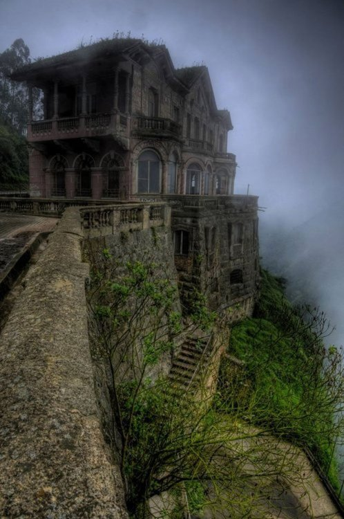 joebagofdoughnuts:  I can't really explain why, but abandoned places like this have always fascinated me. Maybe it's the stories they can tell. So much more interesting than the cut and paste type of architecture that has become the norm today….
