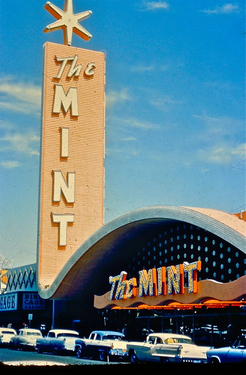 hollyhocksandtulips:  The Mint, Las Vegas, 1957 (photo slide)