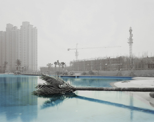 qock:  Nadav Kander - Yangtze: The Long River (2009-12) - My edit