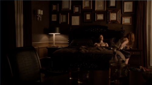 kolsalvatore:  Let's all just appreciate Klaus' bedroom for a moment…