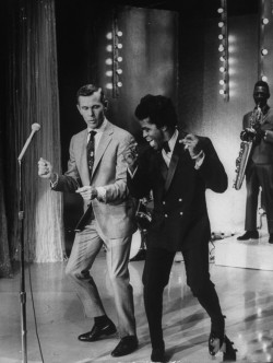 hipjp:  Johnny Carson and James Brown