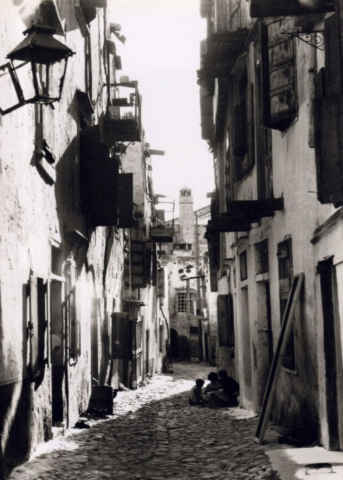 howtoseewithoutacamera:  by Nelly's Chania, Crete, 1927