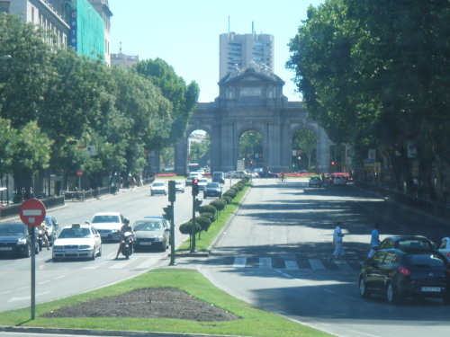 a distant view of the Puerta de Alcalá on our way to our first stop in Madrid