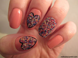 i made these with my new nailpolish; Pupa Milano - Bubbles, which i got for christmas ;)