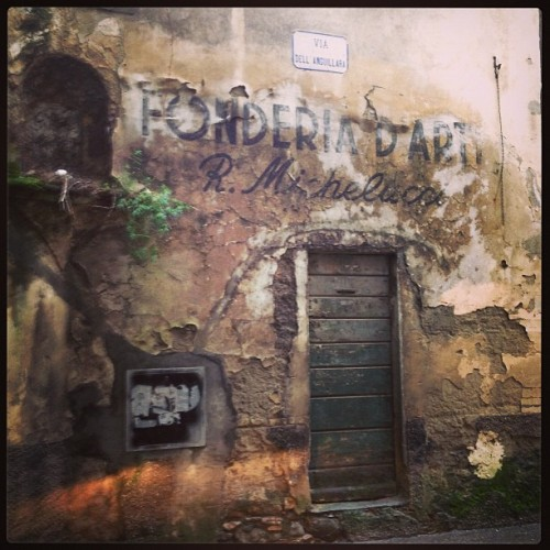 Old walls in #pistoia. Fonderia d'arte!