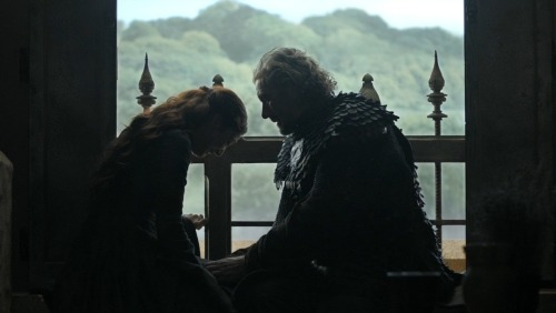 GOT S03E03 Catelyn and Hoster at Riverrun