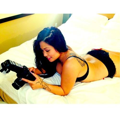 #thatsawrap @irisauroratm #photography #photoshoot #photographerlife #model #sneakpeek