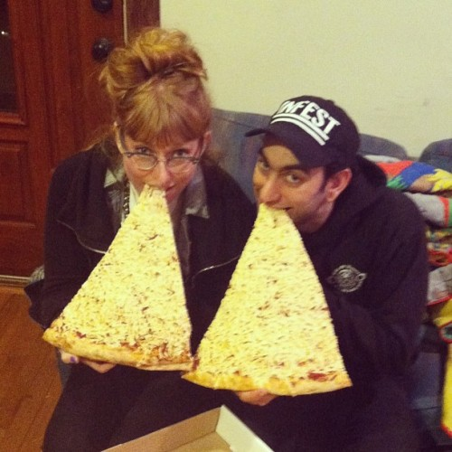 reblogged from jaketalife:  Catharsis, integrity, and jumbo slices! Sick night in DC//Baltimore @vanessaamerica #vegan #veganpizza #jumboslice #3ampizzatime #pizza #veganfood #food #food #food (at chill factory)
