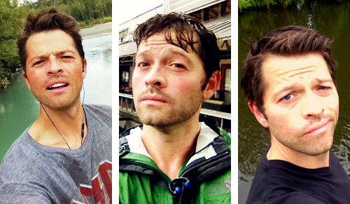 Misha Collins taking selfies of himself by water. (ノ◕ヮ◕)ノ*:・゚✧