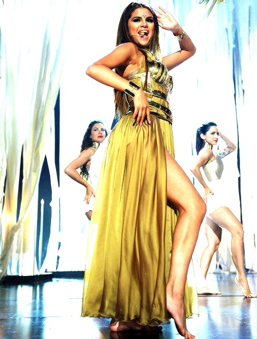 "ohselenacentral:  Selena performing ""Come & Get It"" at the BBMA's 2013."