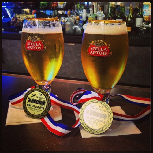 #victory #drinks with A-Mart and @coltimus 🏆🏆🏆.     #stellaartois  (at United Terminal)