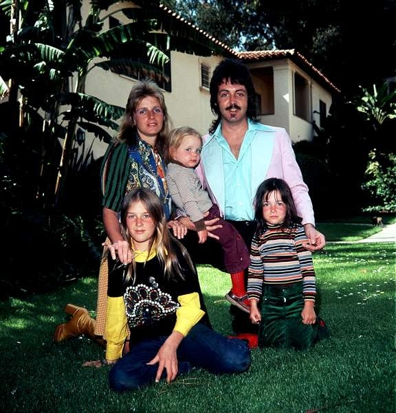 losetheboyfriend:  Family McCartney, by James Fortune (1975)