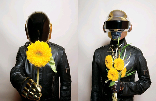 (via fuckyeahdaftpunk) hey roey. lets do it.