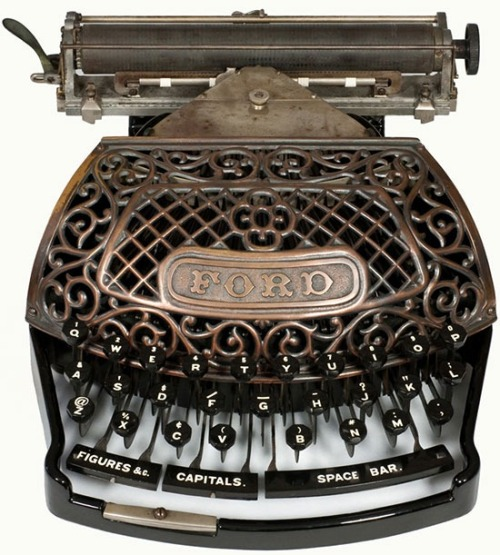 bleistift-und-radiergummi:  Antique Ford Typewriter 1895 The Ford typewriter broke new ground in being the first typewriter to use the new metal 'Aluminum' in its construction. The Ford was sold in two versions, one with an all aluminum frame and carriage and the other with a cast iron, black enameled, frame and aluminum carriage.