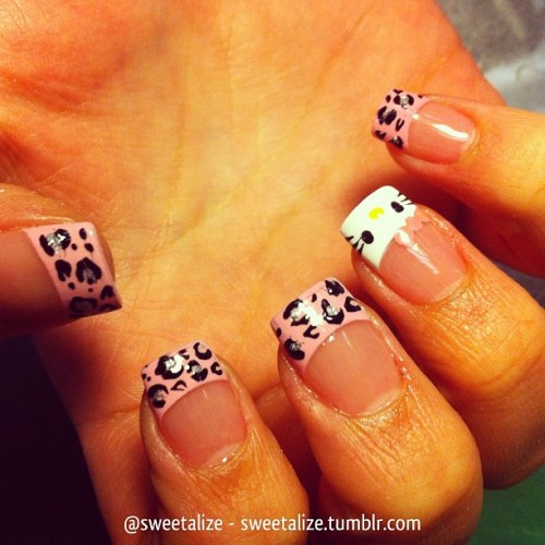 Hello Kitty and pink cheetah on @ellielidia 😊 #gelnails #acrylicnails #frenchmanicure #pinktips #hellokitty #pink #frenchnails #cheetah #leopard #cheetahprint #leopardprint #animalprint