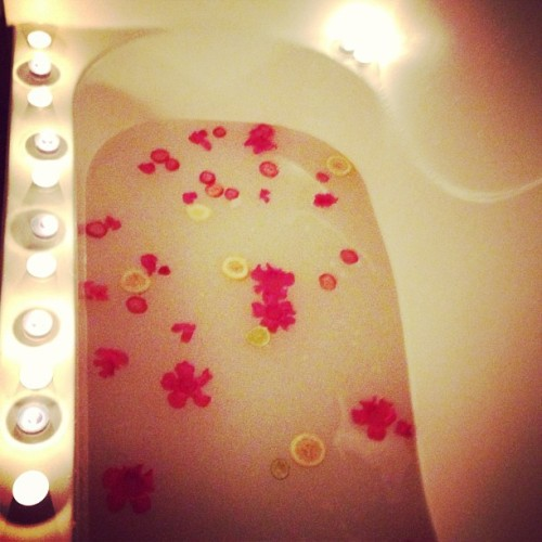 Relax mode on - #Cleopatra #Inspired #bath with #flowers #strawberry #lemon and #lime  (at Where the Heart is.)