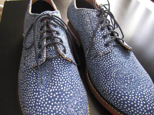 Styled Feature: Polka Dot Oxfords My most recent venture into H&M brought me to these beautiful pair of polka dot oxfords. The perfect dress up causal shoe I think for the coming warmer weather. Paired with anything bright and even prints I think that these will add a perfect touch to any outfit and I can not wait!  Retail @ H&M $49.95