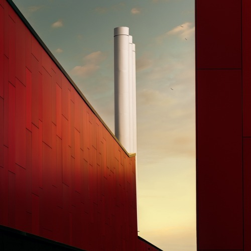"rcruzniemiec:  Redplant Jeroen Fransen ""Evening shot of the Nanolab, University of Twente, the Netherlands."""