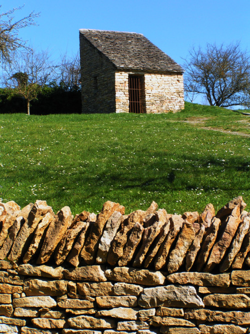 french-countryside:  Stone cabin