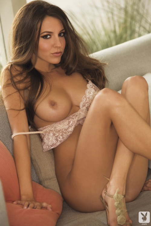 constantdistraction:  shelby chesnes