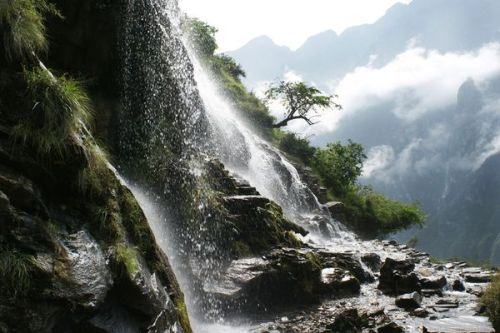 Beautiful Tiger Leaping Gorge in China