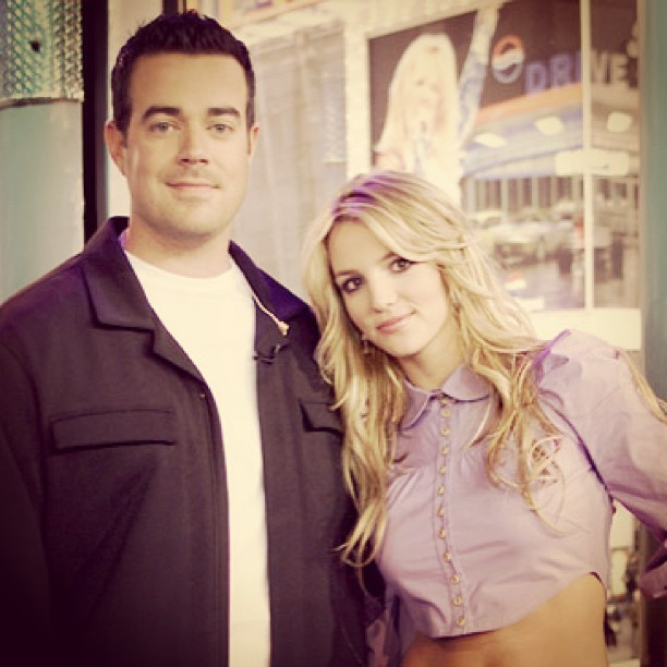 TRL #TBT with @CarsonDaly and @BritneySpears! 2/15/2002 (at TRL Studio)