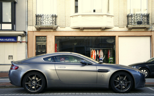 wellisnthatnice:  Aston Martin AMV8 Vantage. by Tom Daem on Flickr.