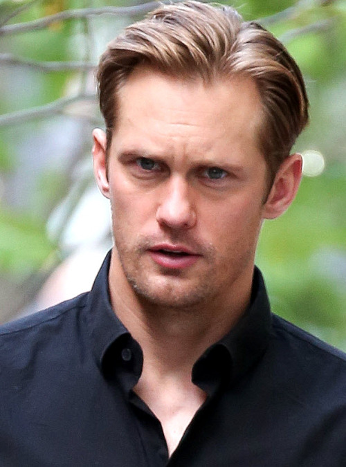 santress:  Close-ups of Alexander Skarsgard in NYC (May 20, 2013). (Originals:  characteristicallyexuberant.tumblr)