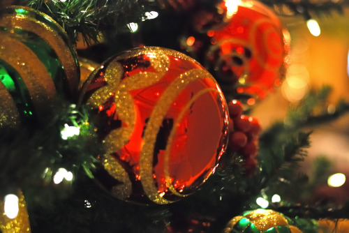 weheartchristmas:  Christmas Ornaments (by sb_clckr)