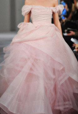 everythingsparklywhite:  Oscar de la Renta
