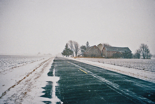hazeltonss:  Winter by bigcityal on Flickr.