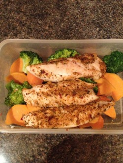 Spicy chicken, sweet potato, carrot and broccoli