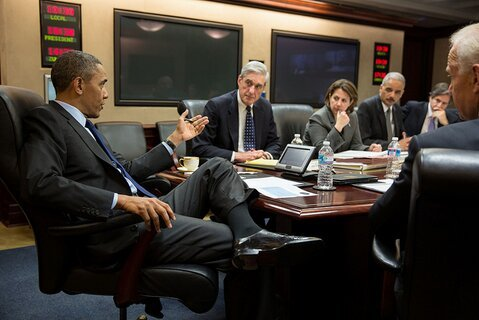 Photo of POTUS mtg in Sit Room w FBI Dir Mueller and other natl sec officials