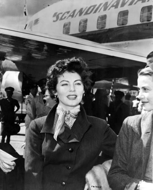 wehadfacesthen:  Ava Gardner arrives (with Grace Kelly) in Kenya for the filming of Mogambo, 1953