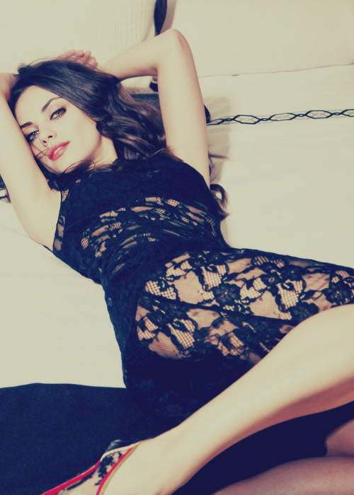 ourthemes:  Check out Mila Kunis: Sexiest Woman Alive! We think #6 is stunning!