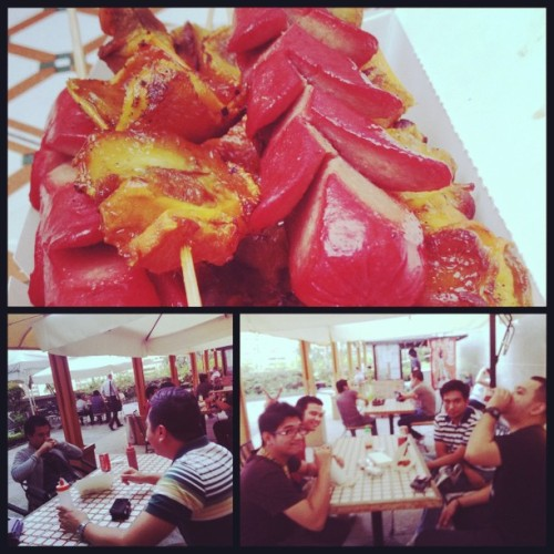 Hotdog and isaw break with the #NFM boys! #food #work #bodognation