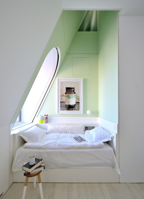 teachingliteracy:  homedesigning: (via Skyhouse: An New York Penthouse With Climbing Column & Slide!)