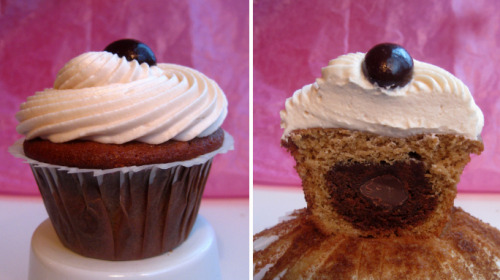 DIRTY CHAI CUPCAKESby Megan Seling http://bit.ly/Rt70Dz