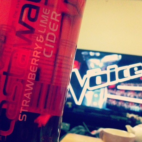 killer combination 🍺🎤 #strawberryandlimecider #thevoiceAU #teamricky